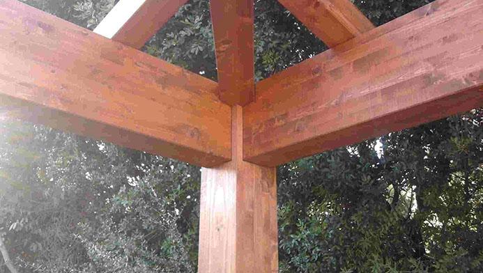 Particolare di strutture in legno realizzate da Edilwood