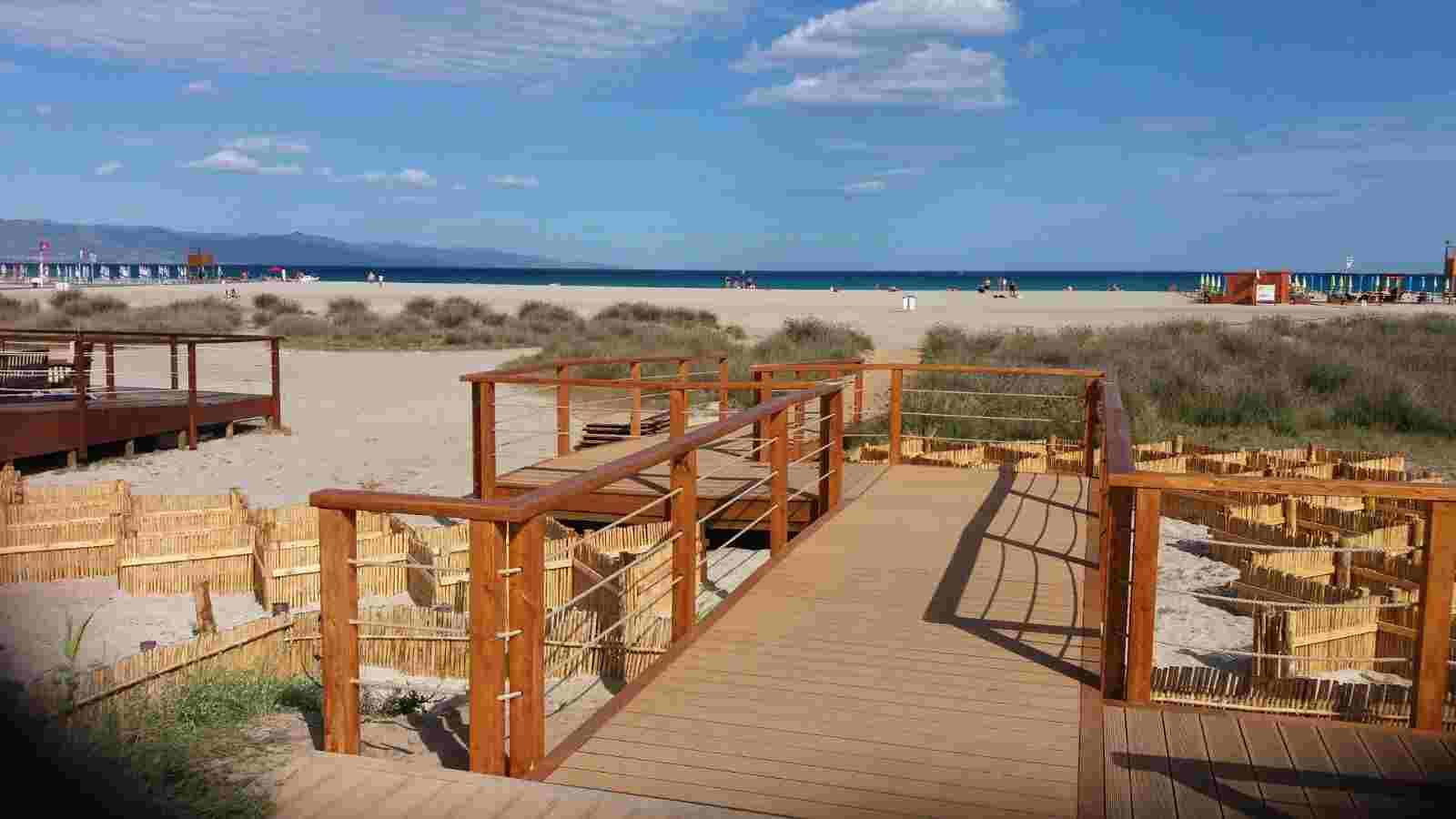 Strutture in legno per abbellire le nostre spiagge