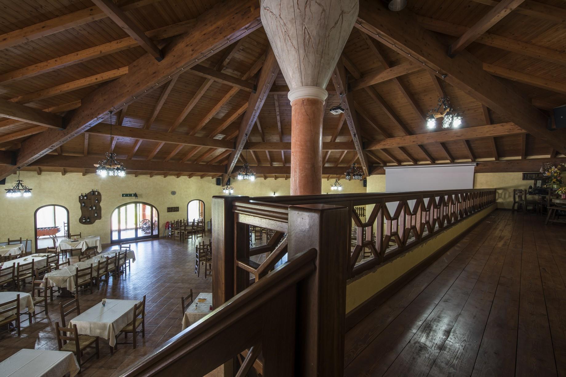 Grandi strutture in legno Sardegna