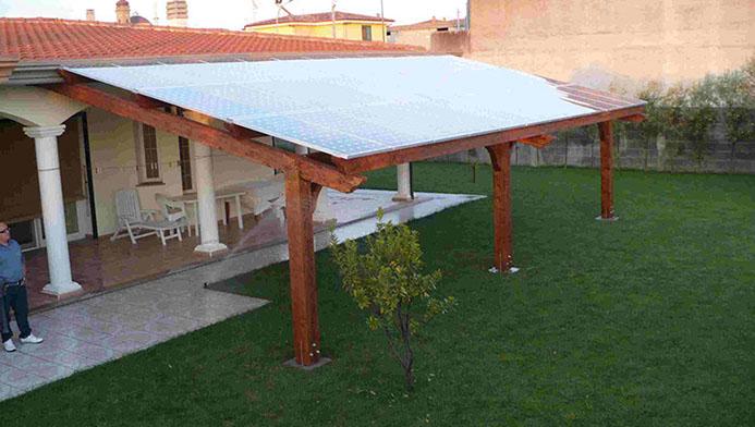 Le pergole di Edilwood sorreggono il fotovoltaico